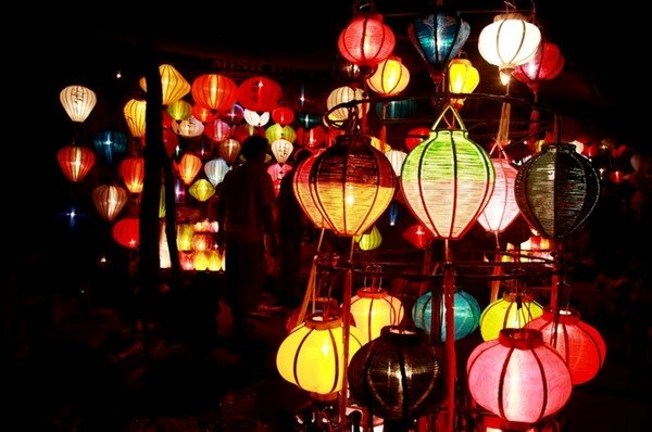 Mua đèn lồng ở Quảng Ngãi